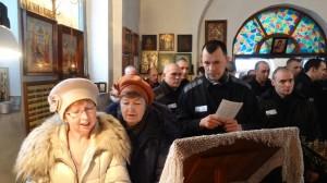 06-12-13 Служба в храме Александра Невского (1)