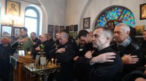06-12-13 Служба в храме Александра Невского (6)