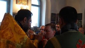 06-12-13 Служба в храме Александра Невского (7)